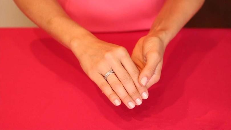 حلقه گیرکرده در انگشت را به آسانی درآورید