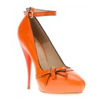 کفش زنانه نارنجی را چطور بپوشیم؟