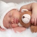 عادات خواب که به پوست آسیب میرسانند