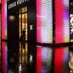چرا لباسهای برندهای مشهور گران هستند؟