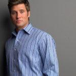 اشتباهاتی که در پوشیدن پیراهن مردانه مرتکب میشوید