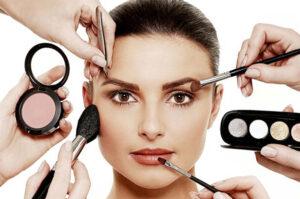 ۱۰ راه برای ماندگاری آرایش روی پوست