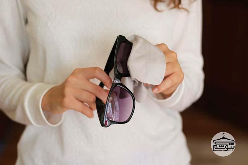 ۸ اشتباه رایج در نگهداری از عینک آفتابی و طبی