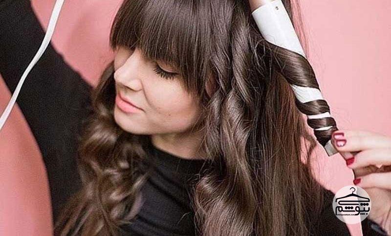 ۱۲ روش برای ثابت نگهداشتن حالت موهای فر