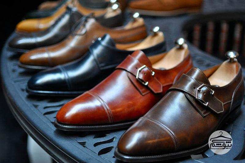 کفش سگک دار مردانه : مقایسه کفشهای کلاسیک و سگک دار مردانه