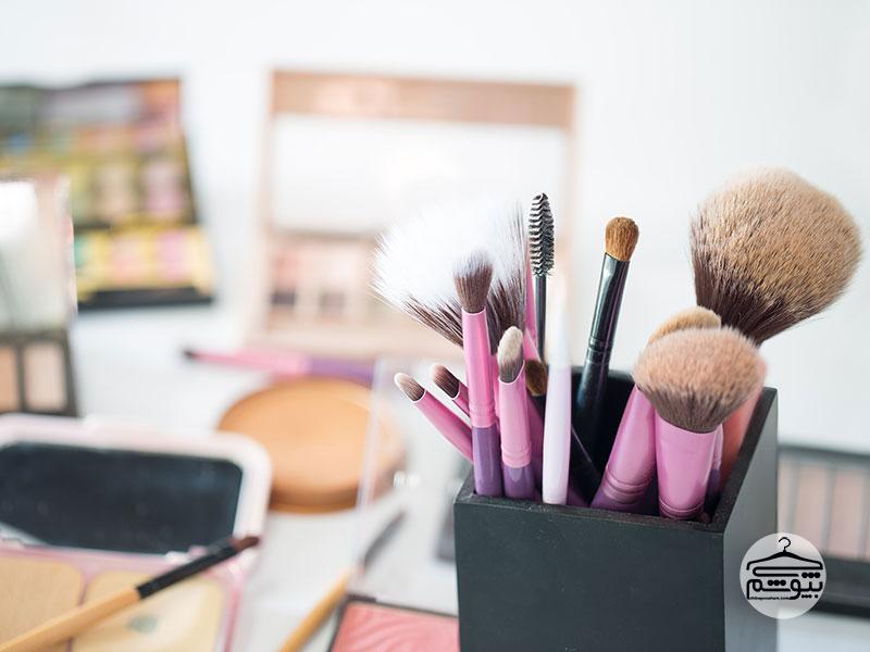 چگونه از تکنیک های آرایشی برای کوچک کردن بینی کمک بگیریم