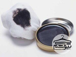 راه های پاک کردن لکه واکس از روی لباس