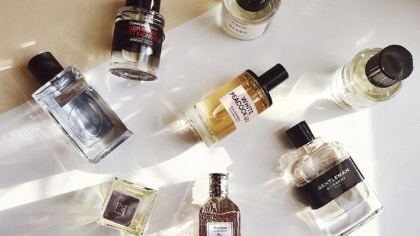 چگونه عطر بزنیم ؟ نکاتی در مورد عطر و ادکلن و استفاده درست از آنها