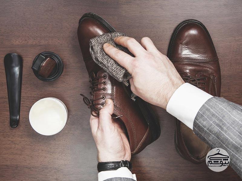 برطرف کردن صدای جیر جیر کفش با چند راهکار ساده