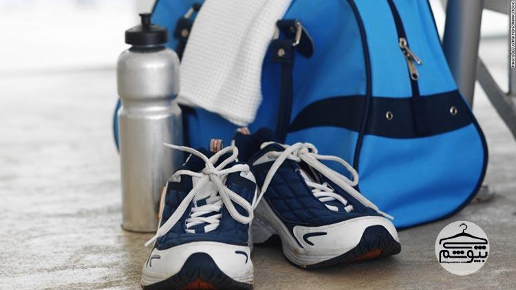 لوازم باشگاه : وسایل ضروری برای کیف باشگاه بدن سازی
