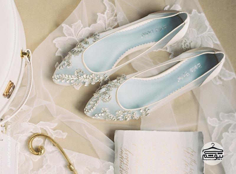 اول لباس عروس را انتخاب کنید