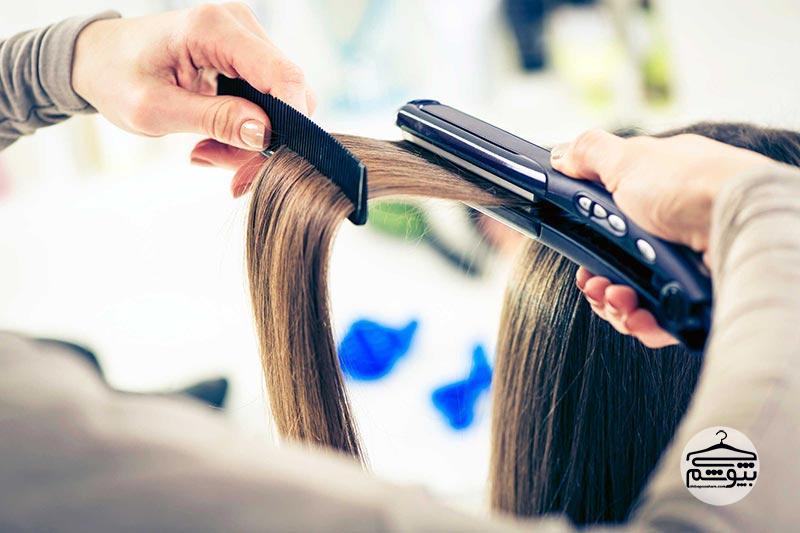 سشوار کشیدن و حالت دادن بیش از حد موها