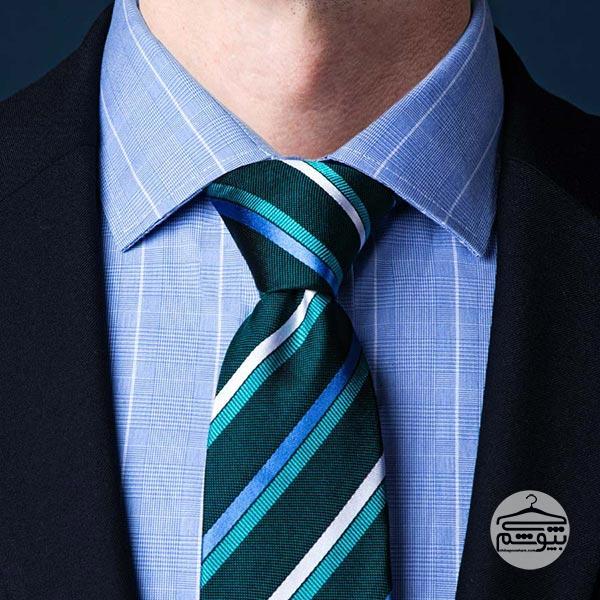 بستن کراوات با گره نیمه ویندسور