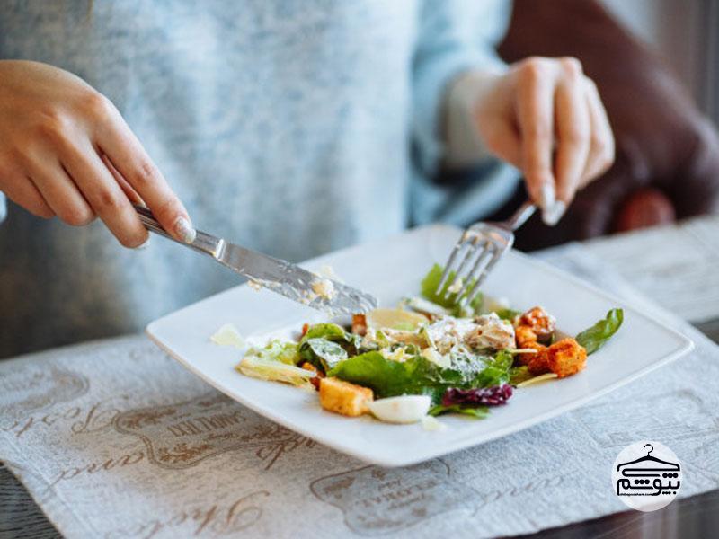 آرام غذا بخورید: