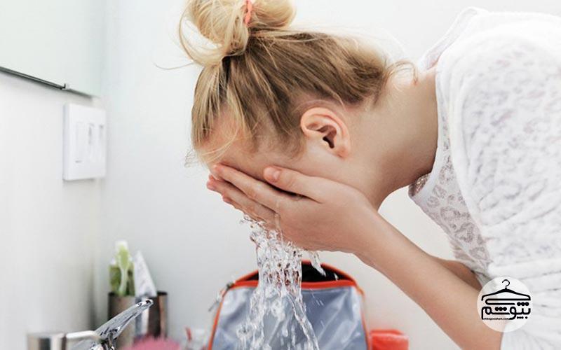 شستشوی بیش از حد پوست قبل از آرایش