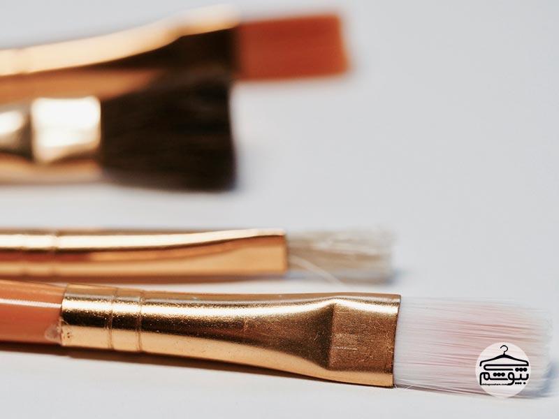 محو کردن آرایش با ابزار و روشهای نادرست
