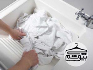 بهترین روش برای شستن لباس با دست