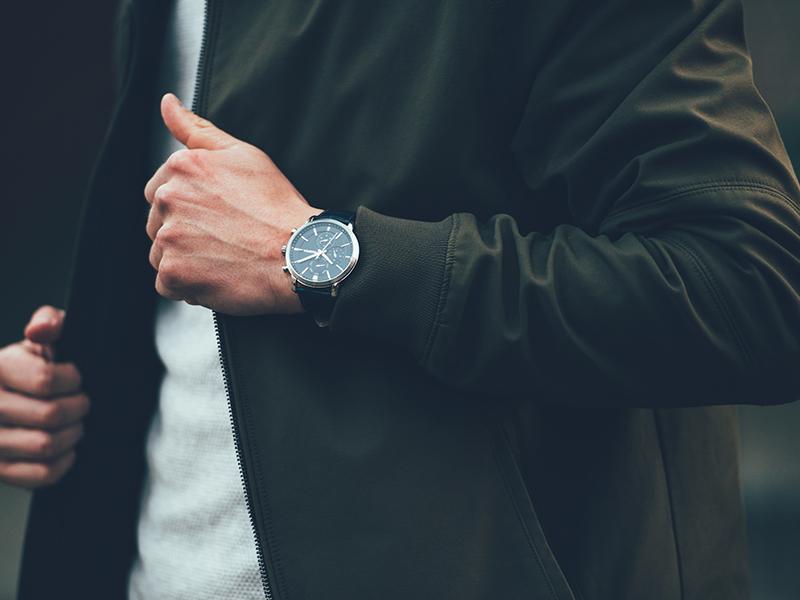 ساعت را فراموش نکنید