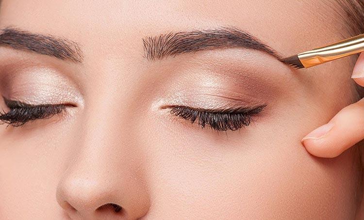 آرایش چشم و نحوه آرایش کردن ابروها