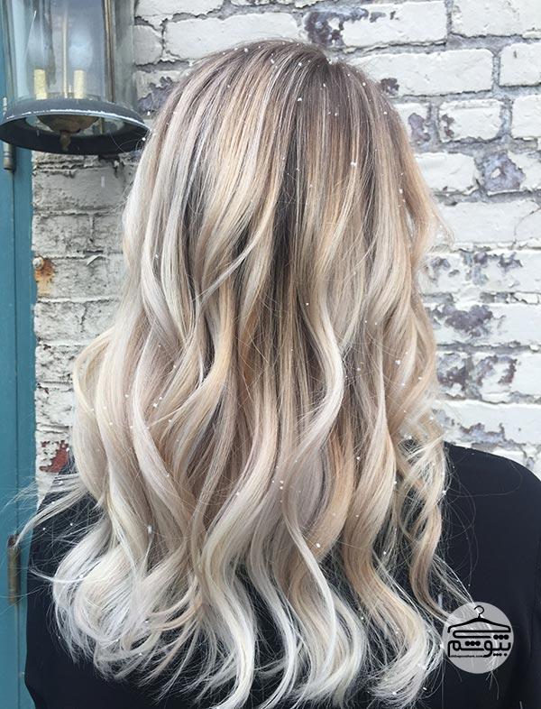 رنگ موی بلوند مایل به سفید