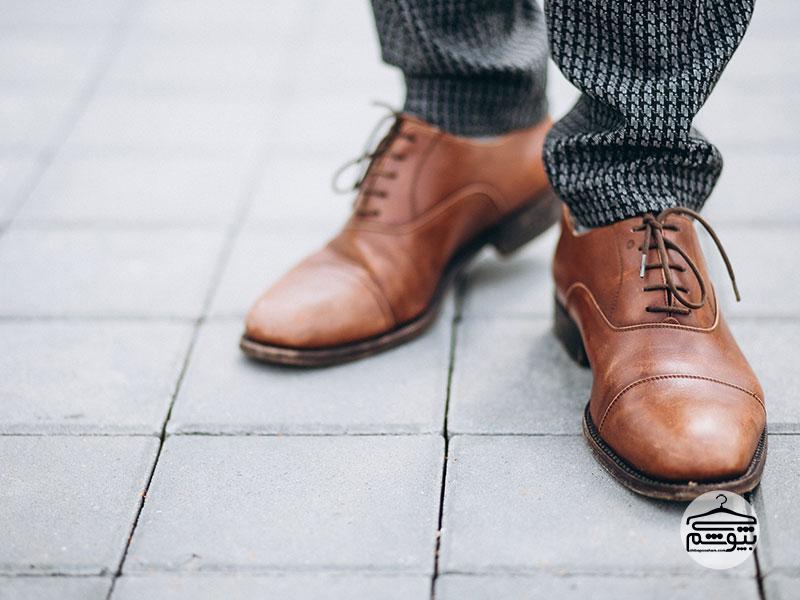به فرم کفش چرم دقت کنید