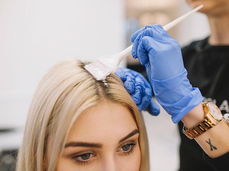 کراتینه مو چطور انجام میشود؟