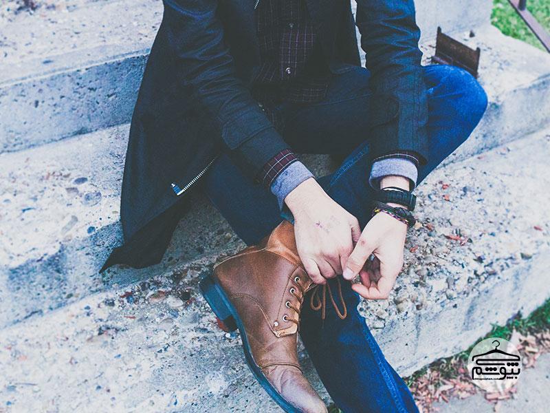 کفش چرم را بعد از ظهر بخرید