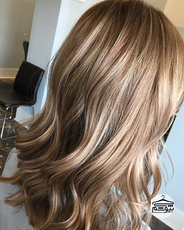 رنگ موی شکلاتی با بالیاژ کاراملی