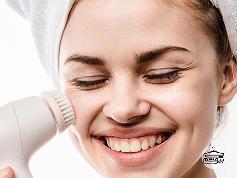 برس پاک سازی پوست صورت چیست؟