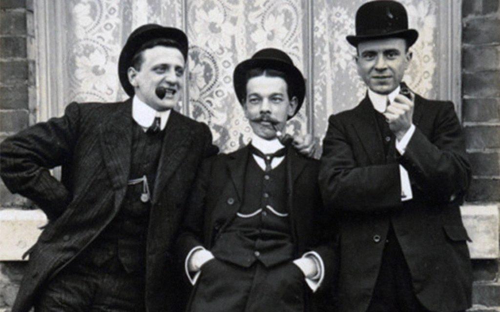 داستان تاریخ لباس مردان در صد سال اخیر، داستانی شگفتانگیز و طولانی! (قسمت دوم)