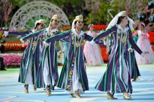 لباسهای محلی کشورهای مختلف در جشن عید نوروز