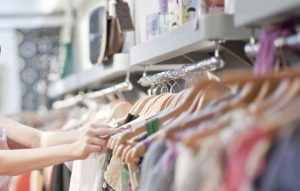 پارچههای خنک و سبک برای لباسهای تابستانی را بشناسید