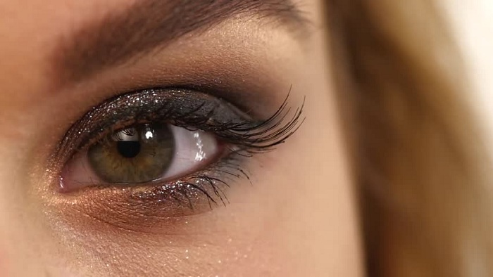 راهنمای انتخاب سایه چشم مناسب + پیشنهاد خرید