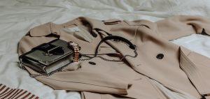 نکاتی برای نحوه ست کردن پالتو، پانچو و شنل با کیف و کفش