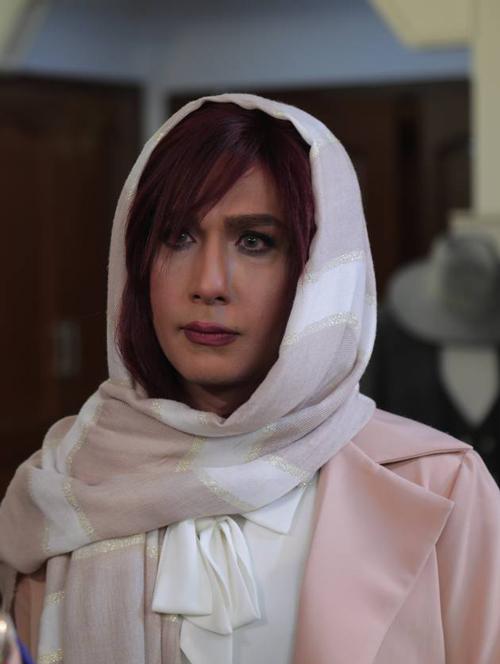 حسین مهری با گریم زنانه