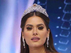 برنده مسابقه دختر شایسته سال 2020 و اصلیترین رقبای او