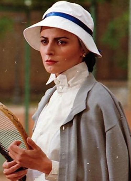لباس لیلا حاتمی در کیف انگلیسی