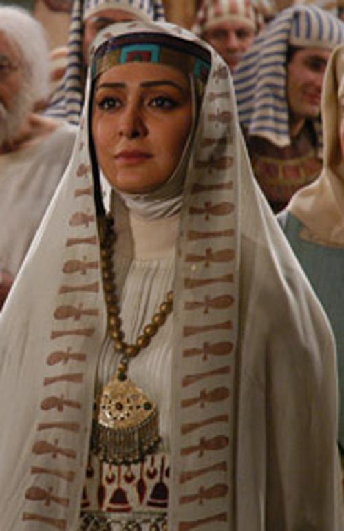 لباس الهام حمیدی در یوسف پیامبر