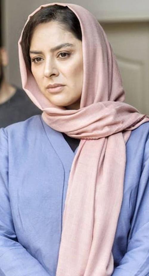 لباس زنان مستقل قوی