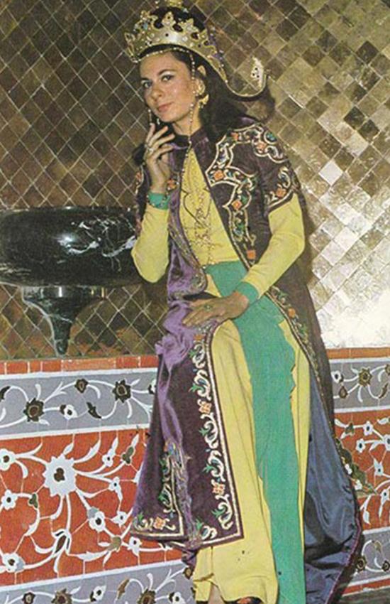 پوشش زنان ایرانی در دورههای مختلف تاریخ